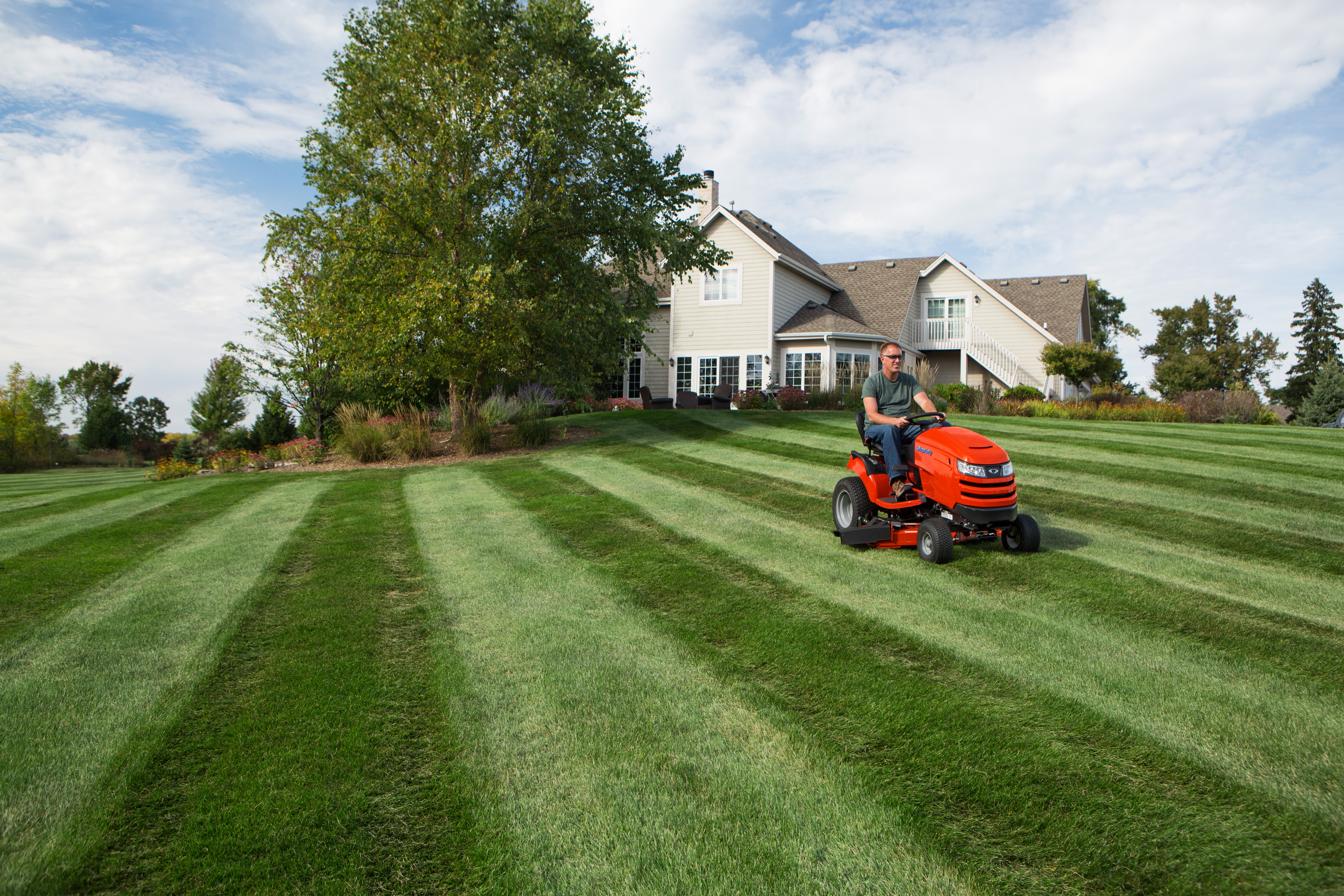 lawn striping: how to mow ballpark grass patterns | simplicity